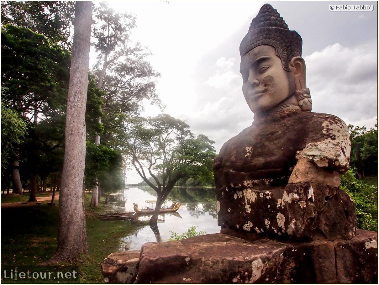 Fabio_s-LifeTour---Cambodia-(2017-July-August)---Siem-Reap-(Angkor)---Angkor-temples---Angkor-Thom-south-gate-bridge---20284-cover