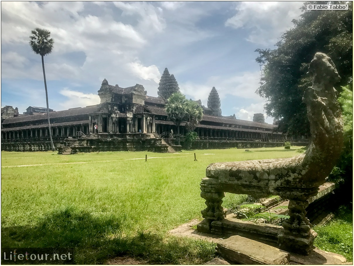 Fabio_s-LifeTour---Cambodia-(2017-July-August)---Siem-Reap-(Angkor)---Angkor-temples---Angkor-Wat---Other-pictures-Angkor-Wat---18600