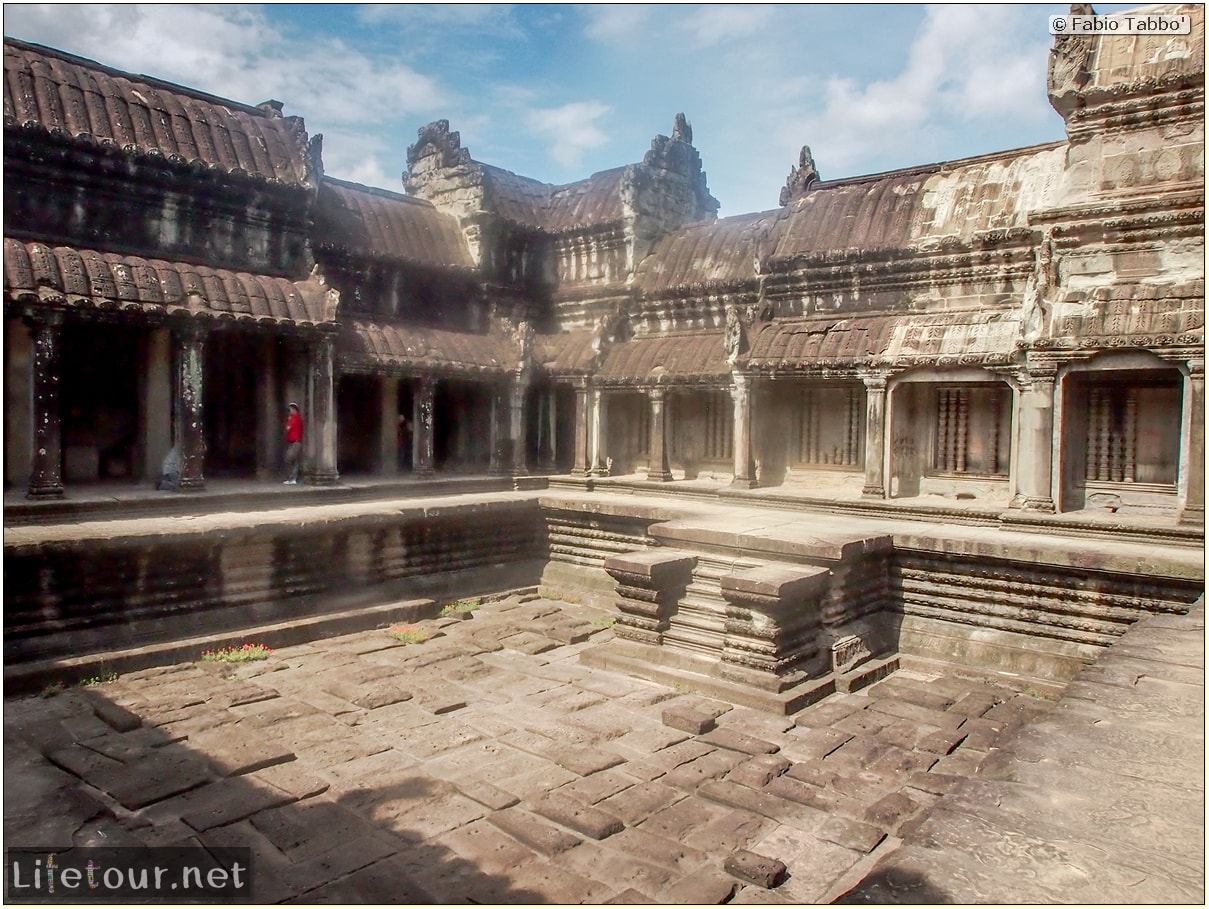 Fabio_s-LifeTour---Cambodia-(2017-July-August)---Siem-Reap-(Angkor)---Angkor-temples---Angkor-Wat---Other-pictures-Angkor-Wat---20234