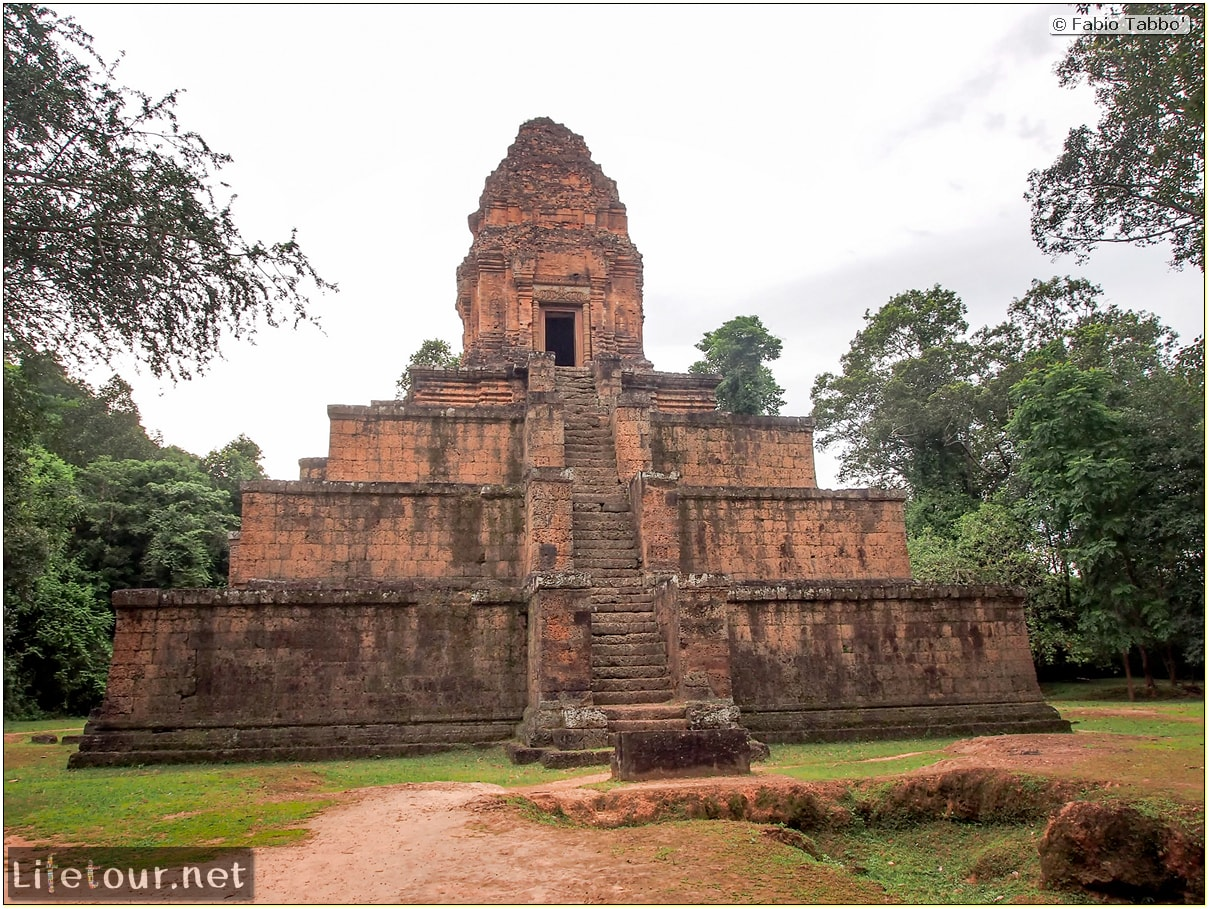 Fabio_s-LifeTour---Cambodia-(2017-July-August)---Siem-Reap-(Angkor)---Angkor-temples---Baksei-Chamkrong-temple---20292