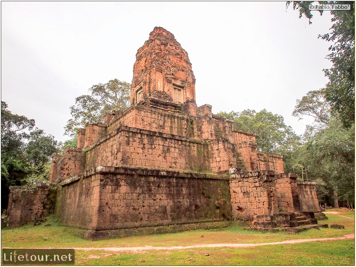Fabio_s-LifeTour---Cambodia-(2017-July-August)---Siem-Reap-(Angkor)---Angkor-temples---Baksei-Chamkrong-temple---20301