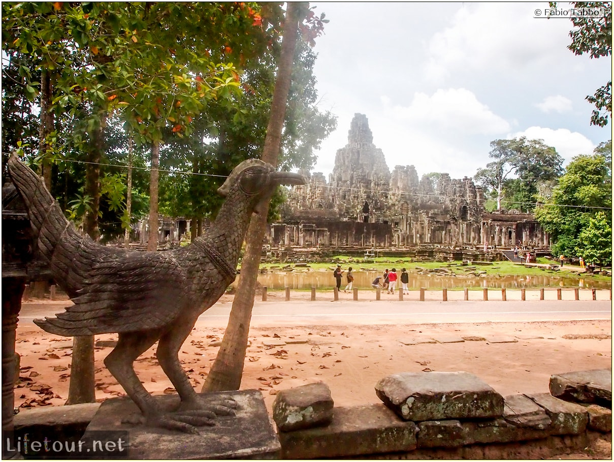 Fabio_s-LifeTour---Cambodia-(2017-July-August)---Siem-Reap-(Angkor)---Angkor-temples---Bayon-temple---20266