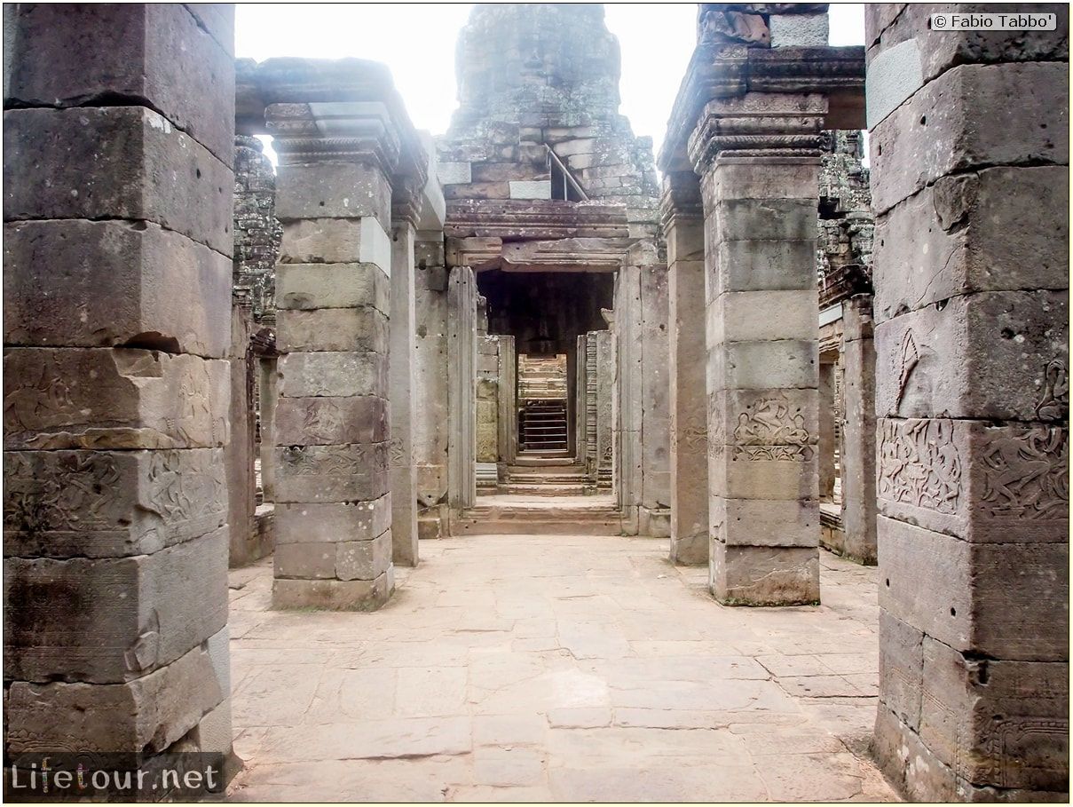 Fabio_s-LifeTour---Cambodia-(2017-July-August)---Siem-Reap-(Angkor)---Angkor-temples---Bayon-temple---20278
