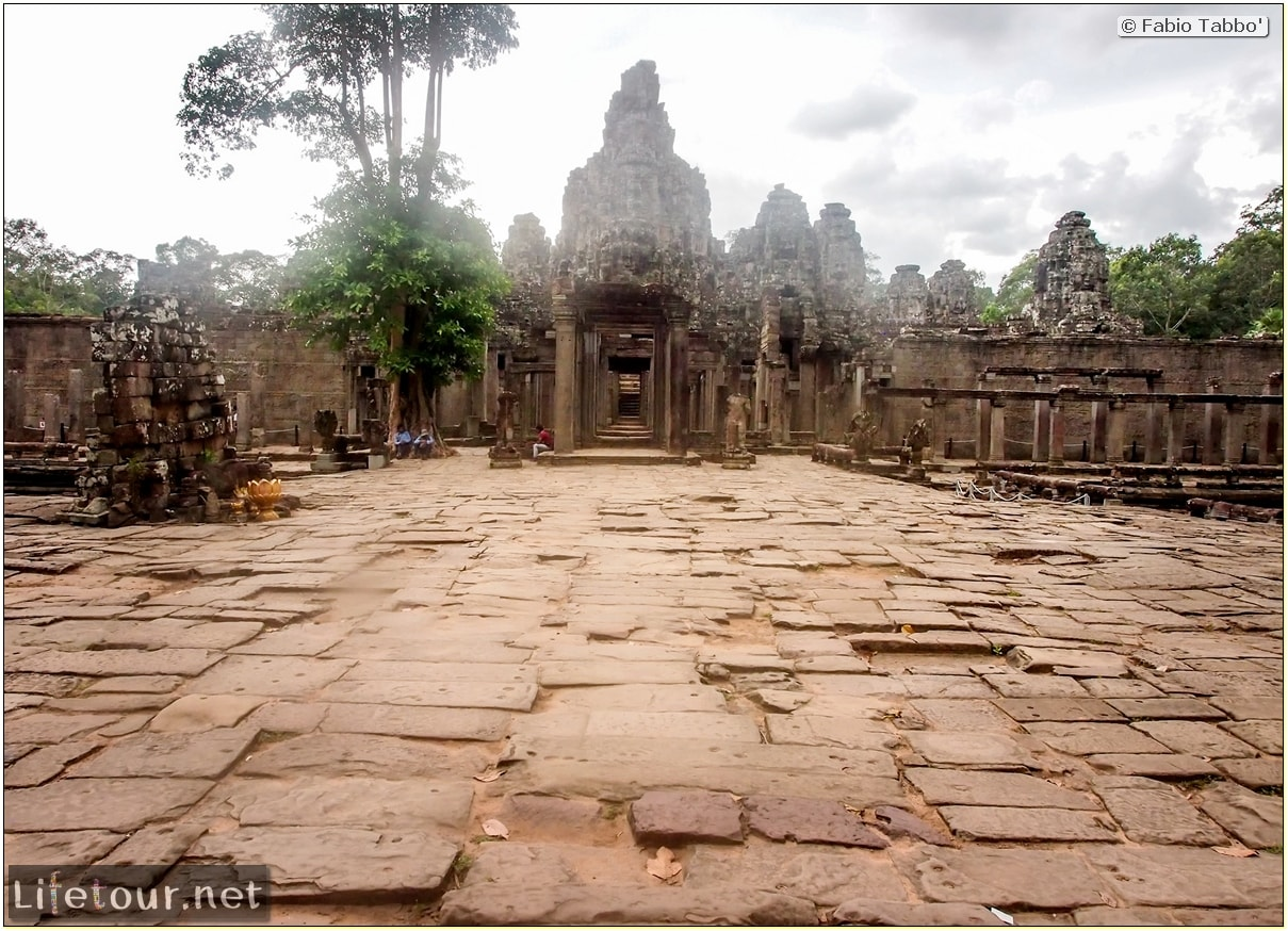 Fabio_s-LifeTour---Cambodia-(2017-July-August)---Siem-Reap-(Angkor)---Angkor-temples---Bayon-temple---20280