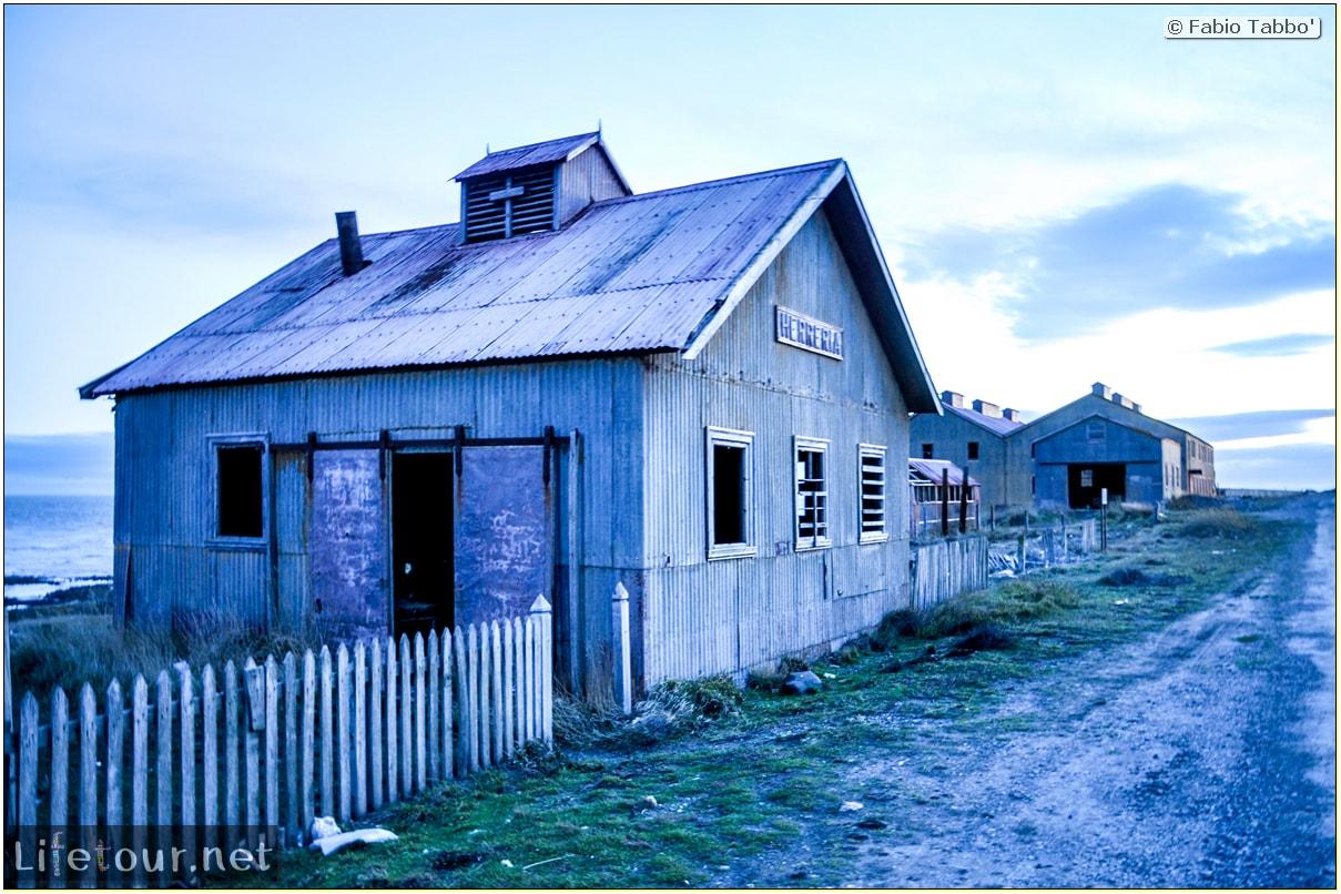 Fabio_s-LifeTour---Chile-(2015-September)---Porvenir---Tierra-del-Fuego---Estancia-San-Gregorio---11917
