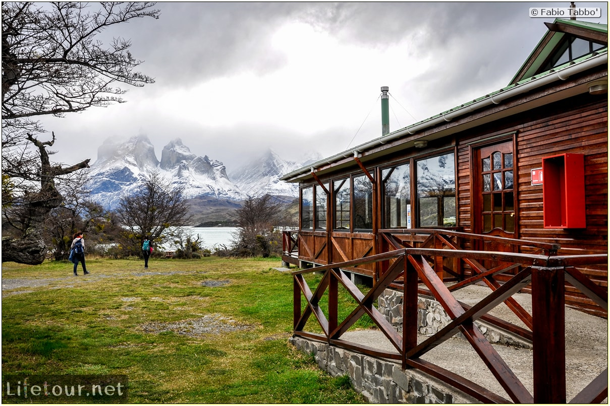 Fabio_s-LifeTour---Chile-(2015-September)---Torres-del-Paine---Serrano-river-tourist-village---12121