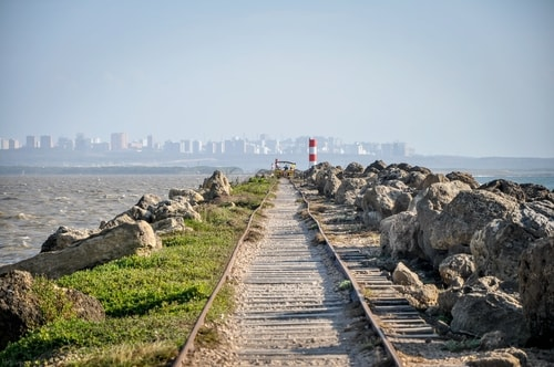 Barranquilla Bocas-de-Ceniza---1.-The-railroad-in-the-middle-of-the-ocean---781 COVER