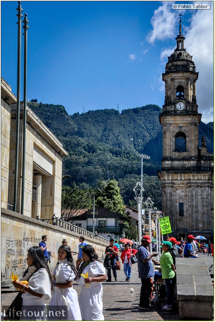 Fabio_s-LifeTour---Colombia-(2015-January-February)---Bogota_---Candelaria---Bolivar-Plaza---2607