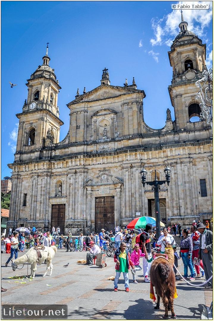 Fabio_s-LifeTour---Colombia-(2015-January-February)---Bogota_---Candelaria---Bolivar-Plaza---5287