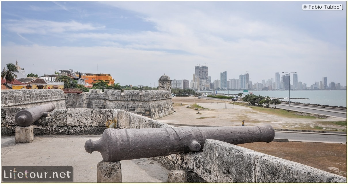 Fabio_s-LifeTour---Colombia-(2015-January-February)---Cartagena---Walled-city---Baluarte-de-Santo-Domingo---10331