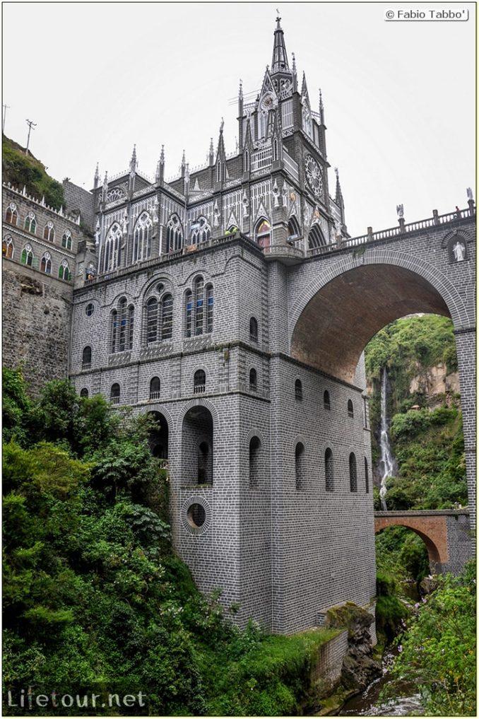 Fabio_s-LifeTour---Colombia-(2015-January-February)---Ipiales---Las-Lajas-sanctuary---Outside-views---8858