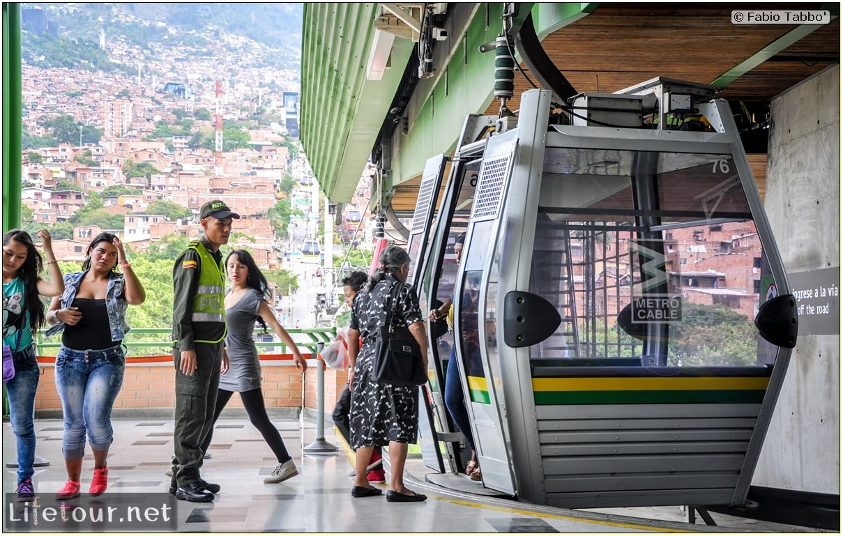 Fabio_s-LifeTour---Colombia-(2015-January-February)---Medellin---Cable-Car-Arvi---1719