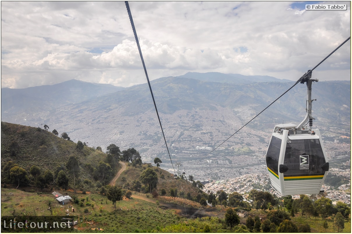 Fabio_s-LifeTour---Colombia-(2015-January-February)---Medellin---Cable-Car-Arvi---3642