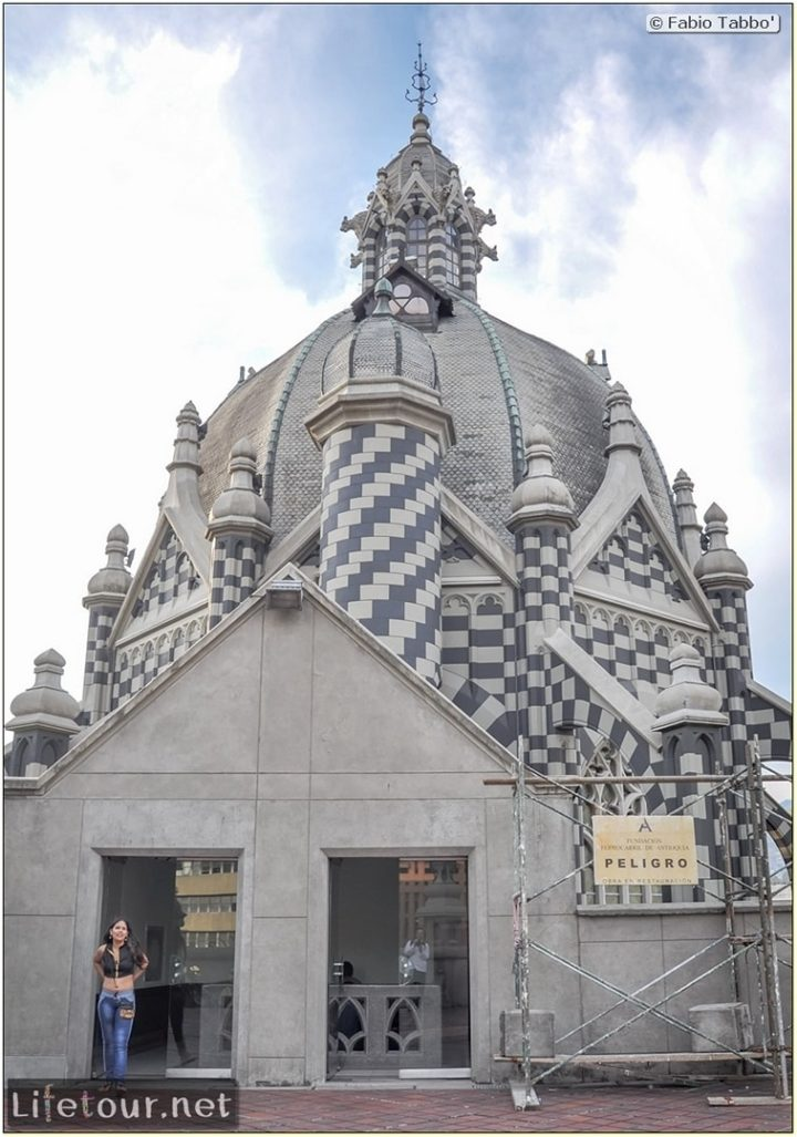 Fabio_s-LifeTour---Colombia-(2015-January-February)---Medellin---Candelaria---Palacio-De-La-Cultura-Rafael-Uribe---5039