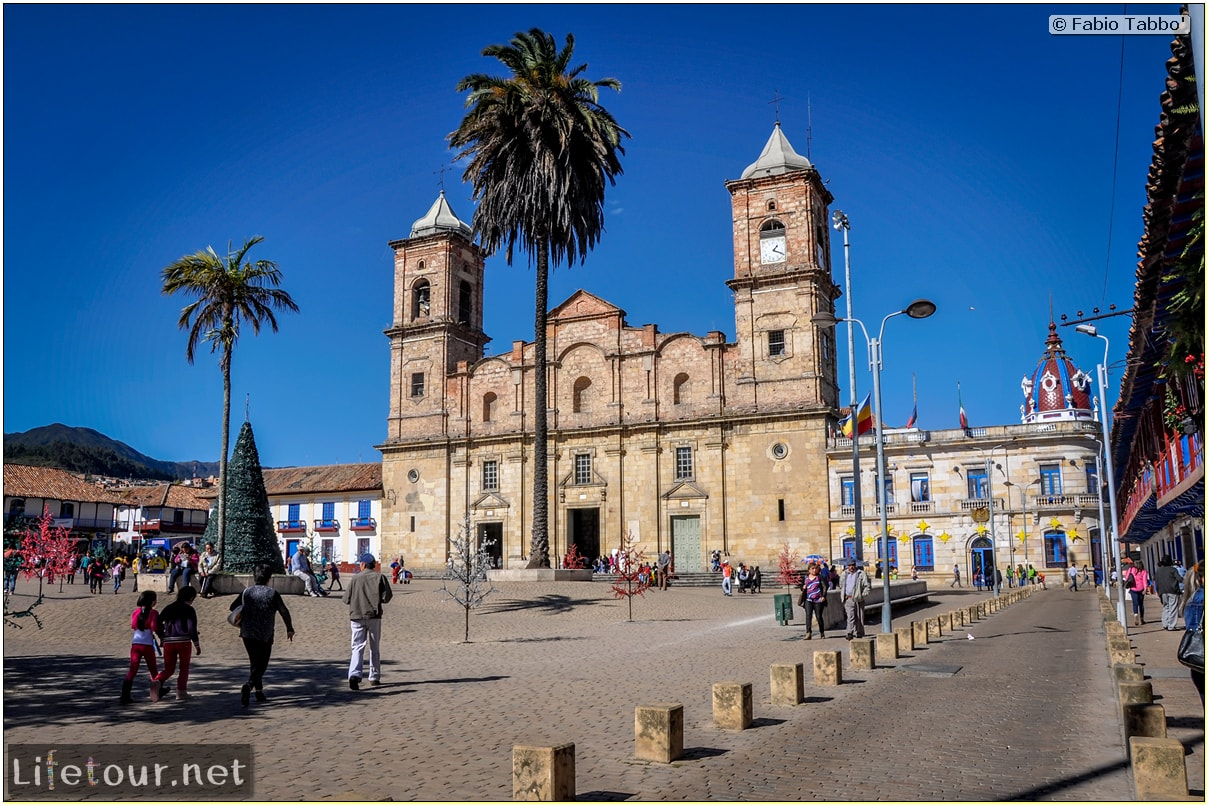 Fabio_s-LifeTour---Colombia-(2015-January-February)---Zipaquira_---Parque-Principal-_-Iglesia-Zipaquira---3640