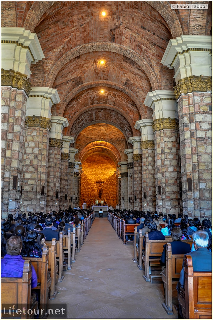Fabio_s-LifeTour---Colombia-(2015-January-February)---Zipaquira_---Parque-Principal-_-Iglesia-Zipaquira---3890