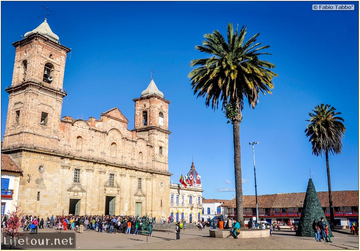 Fabio_s-LifeTour---Colombia-(2015-January-February)---Zipaquira_---Parque-Principal-_-Iglesia-Zipaquira---4476 COVER