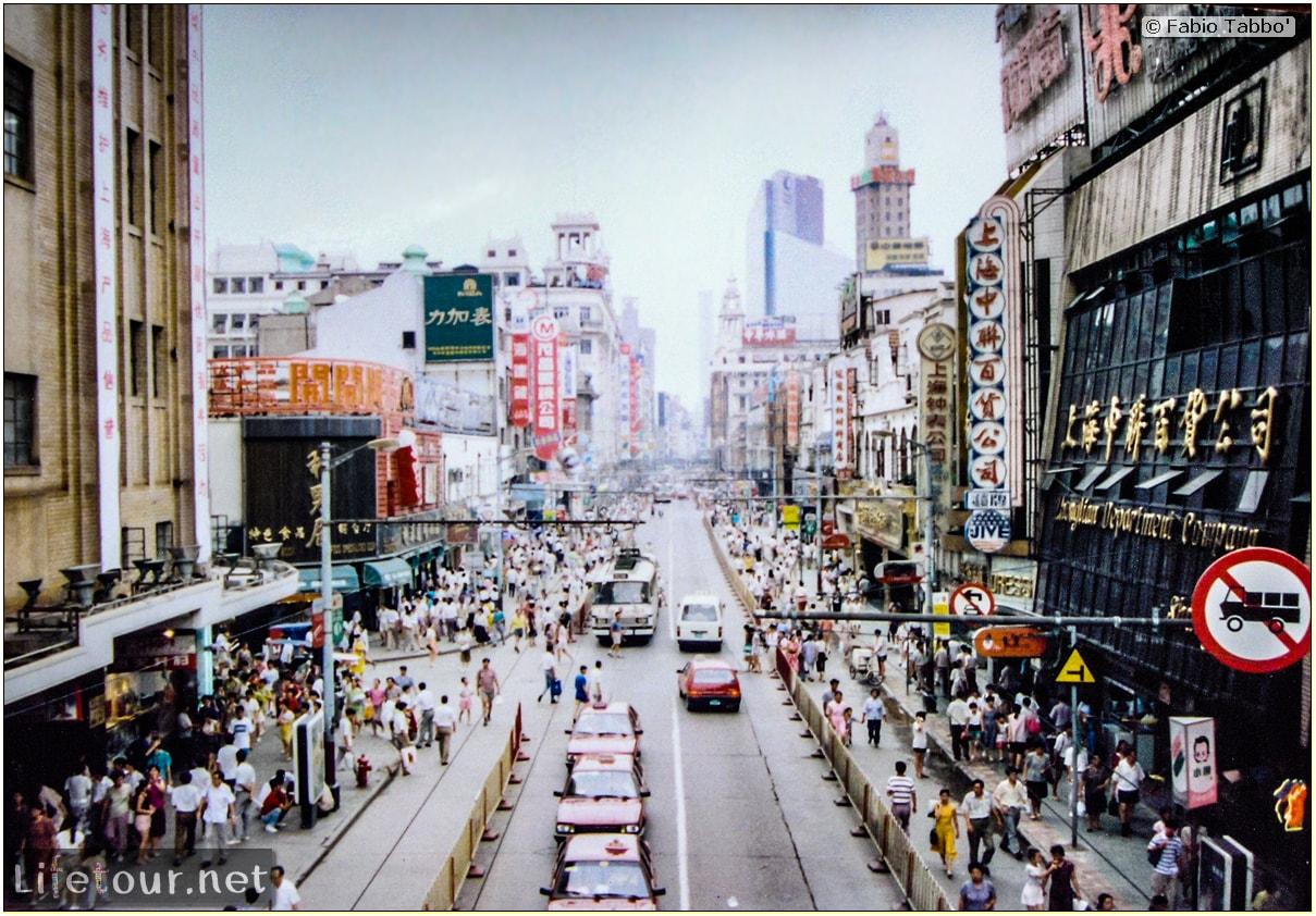 Fabio's LifeTour - China (1993-1997 and 2014) - Shanghai (1993 and 2014) - Tourism - Nanjing road - 1993 - 19884
