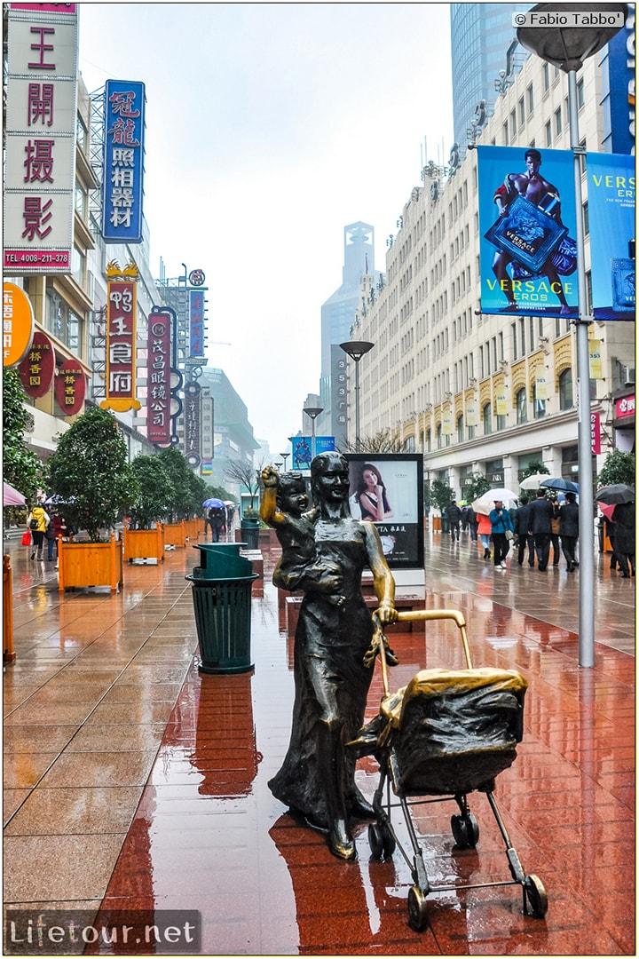 Fabio's LifeTour - China (1993-1997 and 2014) - Shanghai (1993 and 2014) - Tourism - Nanjing road - 2014 - 7871