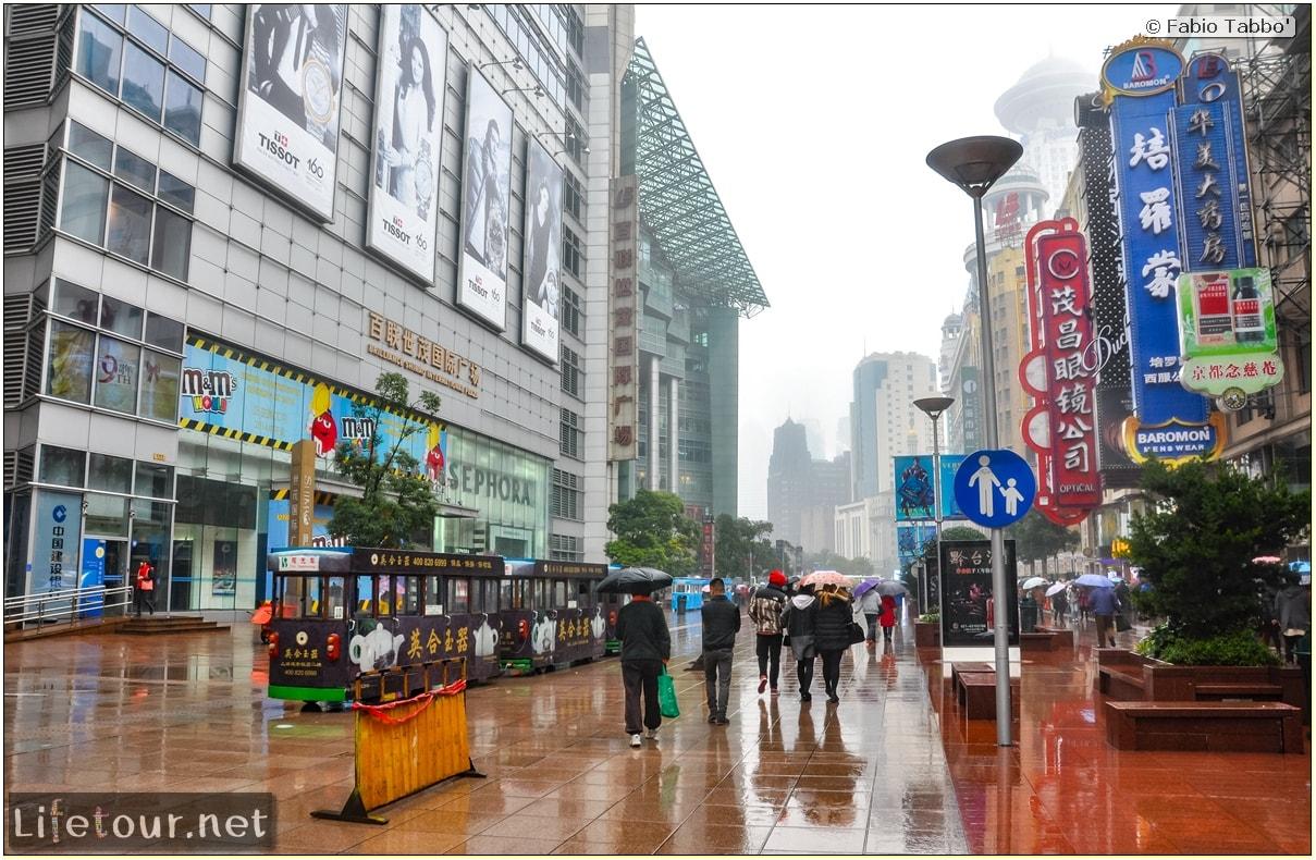 Fabio's LifeTour - China (1993-1997 and 2014) - Shanghai (1993 and 2014) - Tourism - Nanjing road - 2014 - 8075