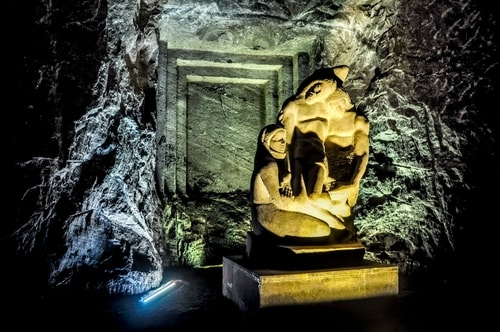 Zipaquira_---Salt-cathedral-(Catedral-de-Sal)---Underground-Cathedral-pictures---678 COVER