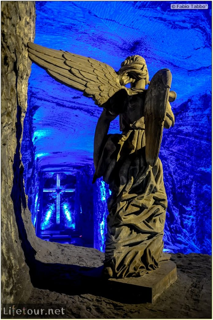 Zipaquira_---Salt-cathedral-(Catedral-de-Sal)---Underground-Cathedral-pictures---815 COVER