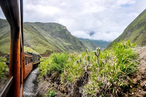 Fabio_s-LifeTour---Ecuador-(2015-February)---Alausi---El-Nariz-del-Diablo-(steam-train-ride)---12195 COVER