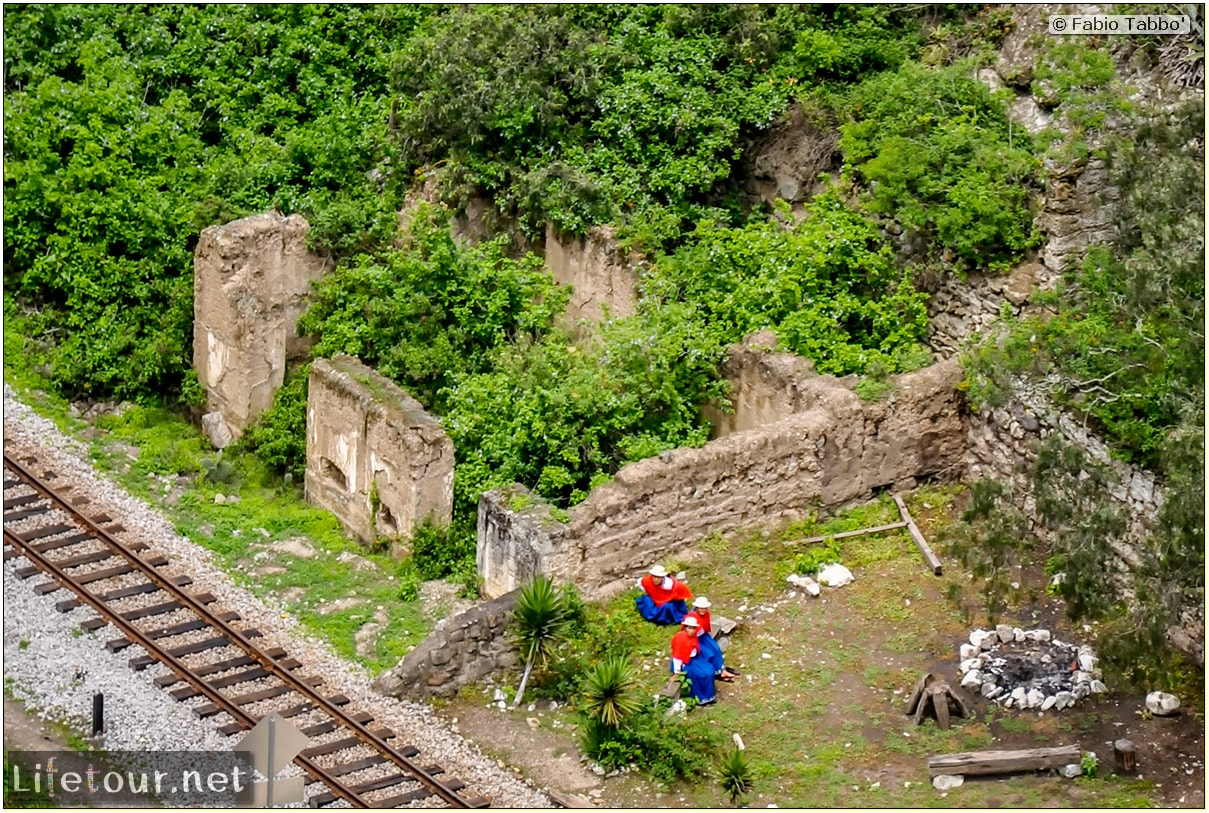 Fabio_s-LifeTour---Ecuador-(2015-February)---Alausi---El-Nariz-del-Diablo-(steam-train-ride)---12253