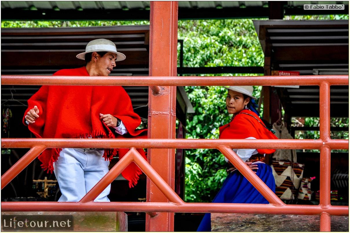 Fabio_s-LifeTour---Ecuador-(2015-February)---Alausi---El-Nariz-del-Diablo-(steam-train-ride)---12396
