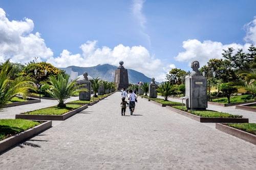 Fabio_s-LifeTour---Ecuador-(2015-February)---Mitad-del-mundo---Ciudad-Mitad-del-Mundo-(Equator-line)---10256 COVER