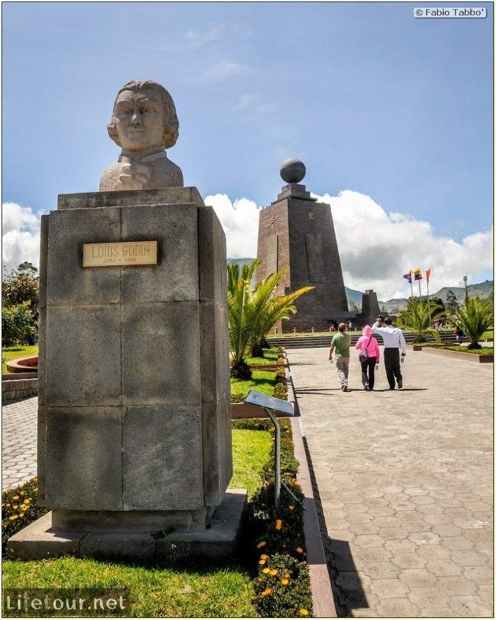 Fabio_s-LifeTour---Ecuador-(2015-February)---Mitad-del-mundo---Ciudad-Mitad-del-Mundo-(Equator-line)---10636