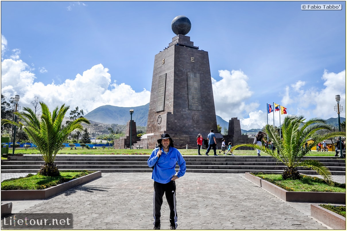 Fabio_s-LifeTour---Ecuador-(2015-February)---Mitad-del-mundo---Ciudad-Mitad-del-Mundo-(Equator-line)---11725