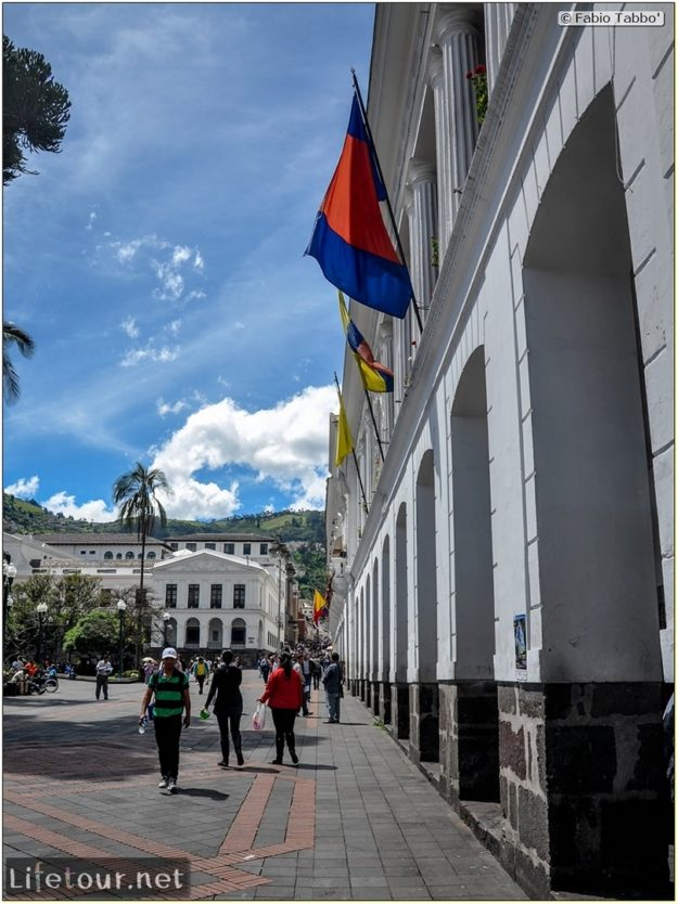 Fabio_s-LifeTour---Ecuador-(2015-February)---Quito---Plaza-Grande-(Independence-Square)---1991