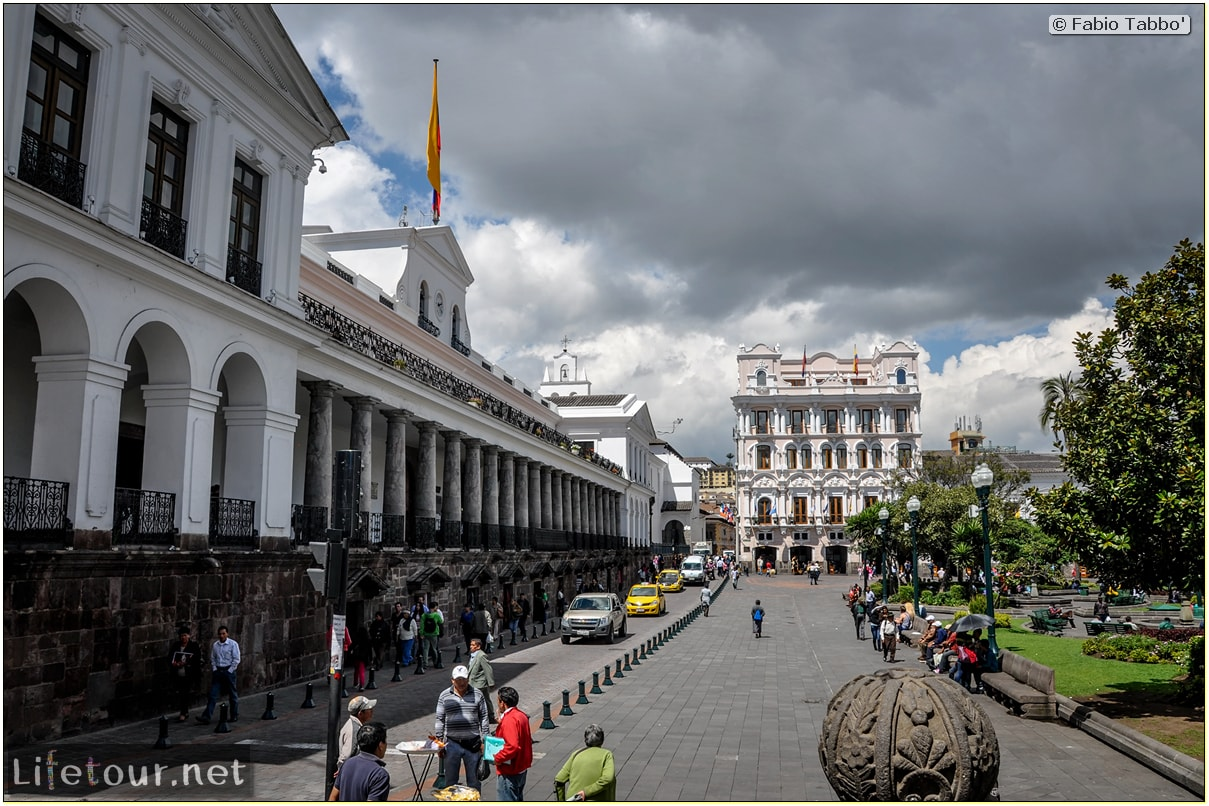 Fabio_s-LifeTour---Ecuador-(2015-February)---Quito---Plaza-Grande-(Independence-Square)---2495