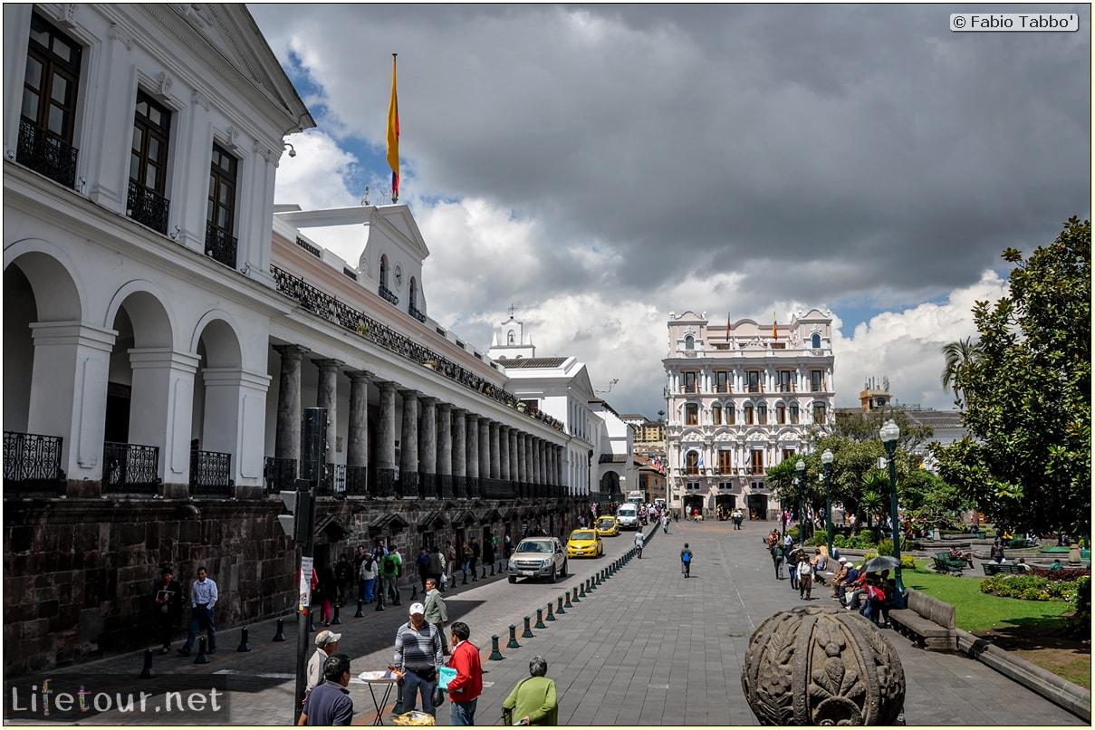 Fabio_s-LifeTour---Ecuador-(2015-February)---Quito---Plaza-Grande-(Independence-Square)---2495