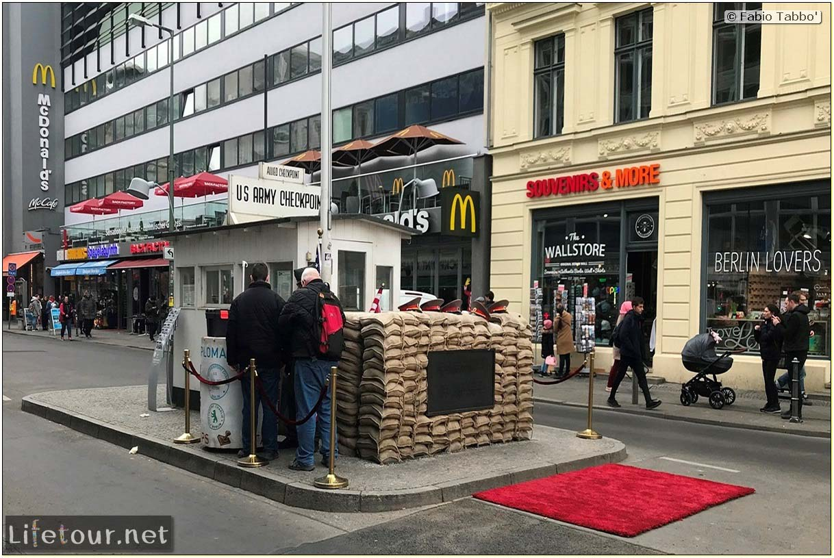 Germany-Tourism-Checkpoint Charlie-35