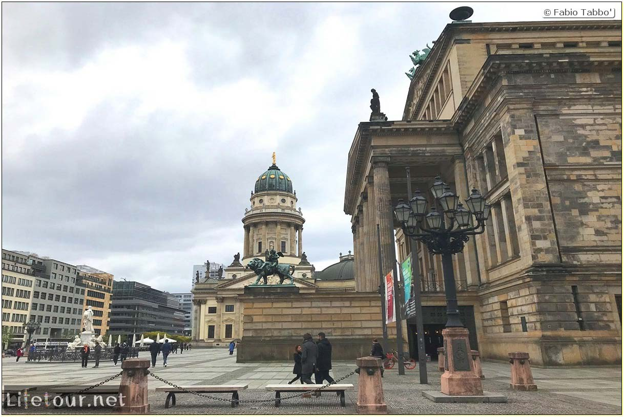 Germany-Tourism-Gendarmenmarkt-17