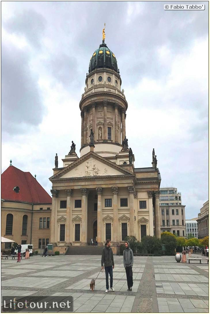 Germany-Tourism-Gendarmenmarkt-20