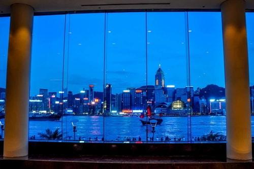 Hong-Kong-Tourism-Avenue-of-Stars-(Symphony-of-light)-8910 COVER