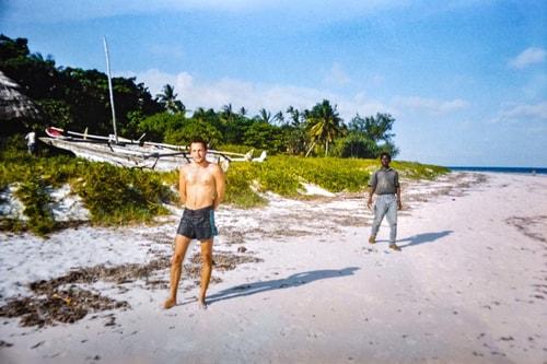 Kenya -Mombasa-Diani Beach-12702 COVER