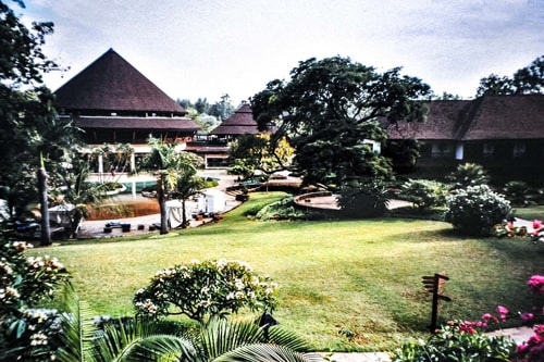 Kenya -Nairobi-Lodging-Safari Park Hotel-7748 COVER