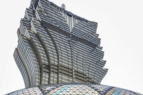 Macau-Grand-Lisboa-hotel-2200 COVER