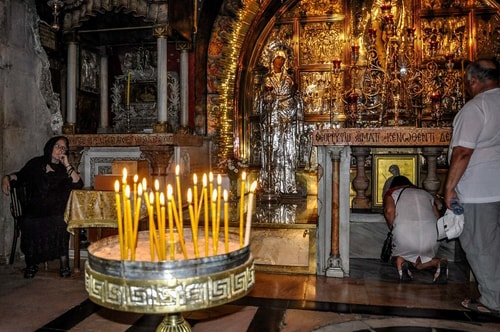 Israel-Christian-quarter-Church-of-Holy-Sepulchre-Interior-599 COVER