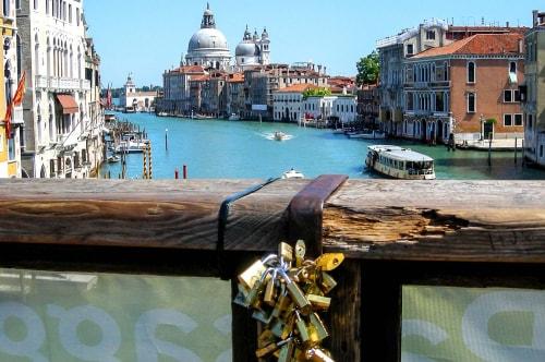 Italy -Veneto-Venice-Dorsoduro-Ponte dell' Accademia-13897 COVER