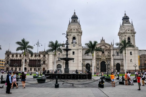 Peru-Lima-Plaza-Mayor-2144 COVER