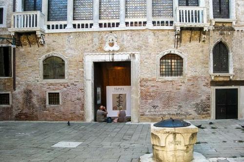 italy-Venice-Biennale Exposition 2013-Esposizione Tapies-Pavillon Azerbaijan-165 COVER