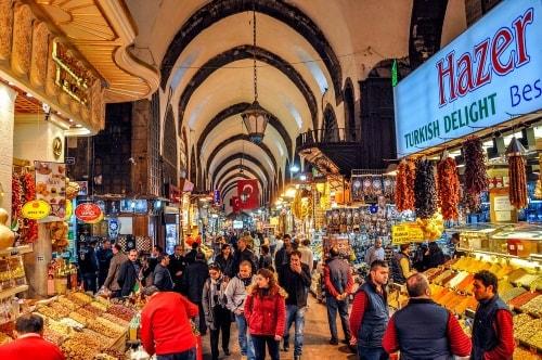 Turkey-Istanbul-Istanbul-bazaars-Spice-(Egyptian)-Bazaar-3373 COVER