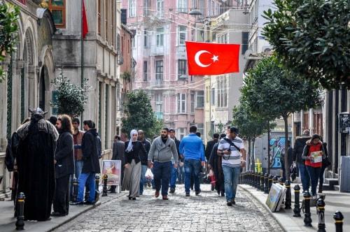 Turkey-Istanbul-Istikal-Avenue-6467 COVER