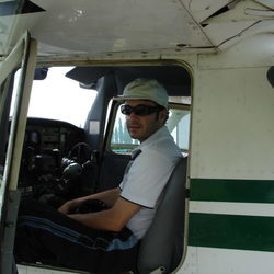 Philippines-Angeles-City-plane-pilot